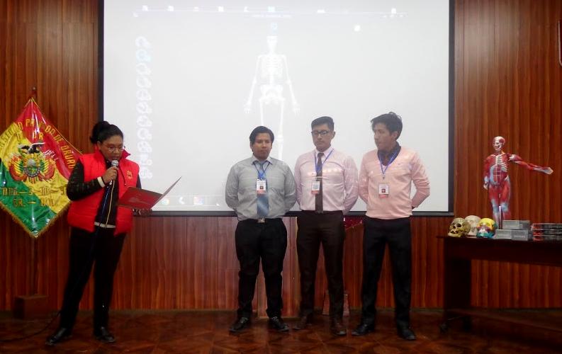 Unior premia a ganadores de olimpiada de anatomía humana